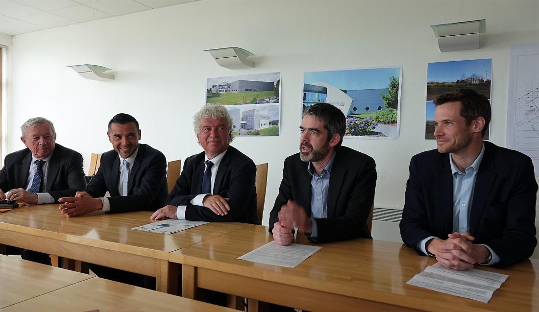 Pierre Morvan (2e en partant de la droite), entouré des partenaires publics qui ont soutenu le redémarrage rapide de Technature