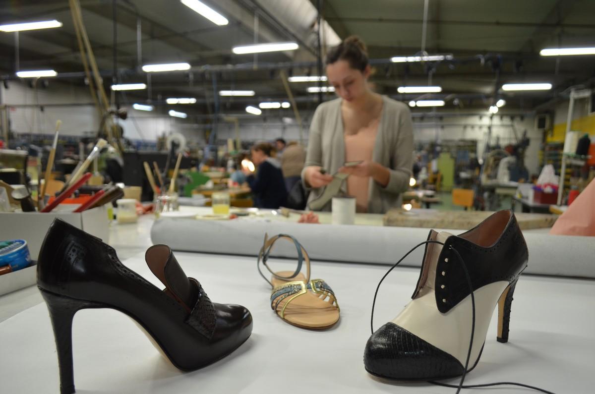 Redonner vie à la chaussure de luxe à Fougères   c est le pari un 90cd25363f05