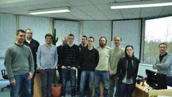 François Le Gall, chargé de communication (3e en partant de la gauche) et l'équipe d'Ariase.com