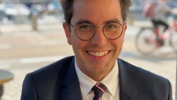 Alexis Boudaud, agent immobiliser spécialisé dans les biens professionnels et commerciaux.