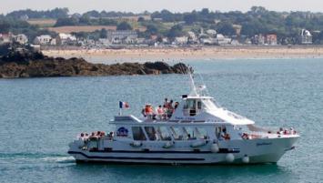 La compagnie maritime qui assure des excursions touristiques  vers les Cap d'Erquy et Fréhel investit dans la station balnéaire d'Erquy dans les Côtes d'Armor