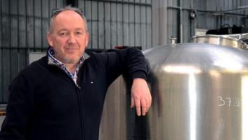 En mai 2018, Laurent Beutis crée son entreprises, Broyeur Mélangeur Groupe (B.M.G), située à la Gouesnière près de Saint-Malo.