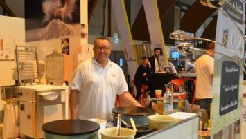 . Plusieurs  catégories de professionnels des CHR  étaient présents, professionnels de la Boulangerie,  comme le stand Paulic minotiers  venu de Saint-Gérand dans le Morbihan