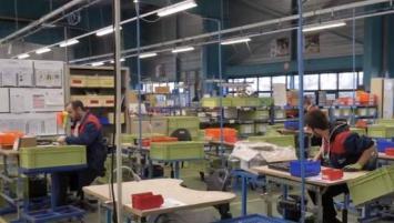 Depuis sa création en 1975, Bretagne Ateliers développe un modèle d'entreprise Adapatée oeuvrant pour l'emploi des personnes en situation de handicap les plus éloignées ou tenues à l'écart du marché du travail