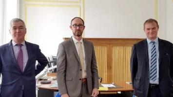 DE g à d : François Bareau (CCI Bretagne), Eric Lesage (Insee Bretagne) et Hervé Mattei (Banue de France)