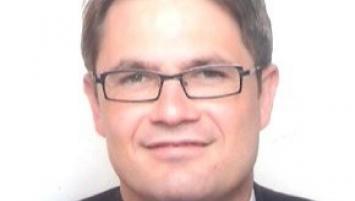 Après avoir été Responsable du Service Environnement de l'Union patronale d'Ille et Vilaine pendant 7 ans, David Derré est depuis 2002, directeur délégué de l'UIMM (Union des Industries et Métiers de la Métallurgie) Bretagne et, depuis 2010, directeur général du Pôle Formation des industries technologiques de Bretagne