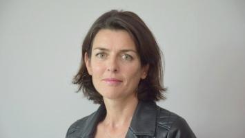 Titulaire du Certificat d'aptitude à la profession d'avocat (CAPA), Delphine Drévillon, 44 ans, est également diplômée d'un Master 2 en droit des affaires et d'un DEA de droit pénal et sciences criminelles.