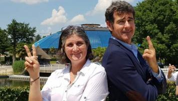 Sonia et Arnaud de La Chesnais, propriétaires du Domaines des Ormes