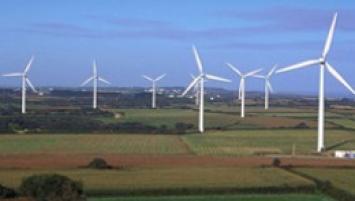 Le bilan électrique 2016 Bretagne met en valeur une consommation stable (21 TWh) ainsi qu'une évolution significative du parc de production renouvelable  (+ 5,4 %),  notamment de la filière éolienne (+ 6,8 %).