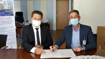 Roland Boutin, Directeur de l'établissement du service d'infrastructure de la Défense de Brest (ESID de Brest) et Philippe Robinaud, Président de Bouygues Bâtiment Grand Ouest.