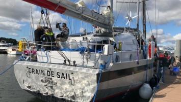 Le voilier cargo Grain de Sail baptisé, à Lorient.