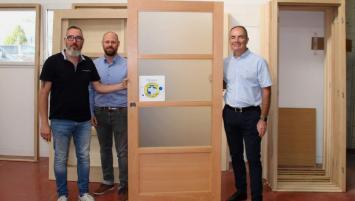 Christian Courcoux, Kévin Le Moine et Jean-Luc Dahirel, cogérants de Le Moine Portes d'intérieurs à Lamballe dans les Côtes d'Armor
