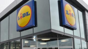La montée en puissance de Lidl qui souhaite passer de 5% à 8% de part de  marché d ici 2020 repose sur son nouveau positionnement, le supermarché de  ... 0abf64f3199