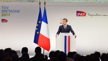 Emmanuel Macron a donné le coup d'envoi officiel de la liaison à grande vitesse entre Paris et Rennes