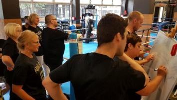 Nokefa propose également des team building par la boxe ainsi que des formations et séminaires aux entreprises