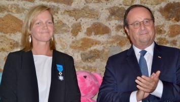 Nolwenn Febvre a reçu, ce jeudi 23 septembre, des mains de François Hollande la médaille de chevalier de l'ordre national du mérite