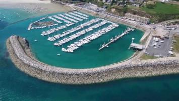 Géré par la CCI des Côtes d'Armor, le port de Saint-Cast vient d'être labellisé « Ports propres ». A ce jour, une petite dizaine de ports de plaisance en Bretagne se sont vus attribués ce label européen.