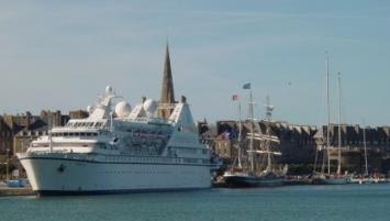 Propriétaire du port de Saint-Malo depuis 2007, la Région a engagé une procédure d'appel d'offres en vue de choisir le futur gestionnaire des ports de Saint-Malo et Cancale (hors plaisance) à compter du 1er janvier 2019.