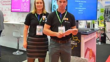 Pierre-Yves Prigent, à droite, Chef de produit Symeter chez Vitalac sur le stand Agretic au  Space 2017.
