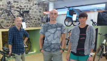 Christophe  Desloire, Cyril Dubois et Paula Kermaïdic ont créé Véléctric au port du Légué à Saint-Brieuc en mai 2017
