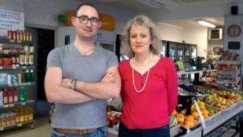 Kevin Guilcher et sa mère Véronique ont repris Vival à Saint-Brieuc en avril 2019