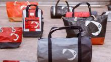 727 Sailbags conçoit et fabrique de la bagagerie, du prêt à porter et des objets de décoration à partir de voiles recyclées, qui ont navigué.