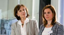 Laurence Rossignol, ministre des Familles, au côté de Cindy Morlec de Hop'Easy en 2016