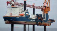 Les travaux de forage des pieux d'ancrage des fondations seront réalisés par la société Van Oord à partir du navire Aelous.