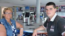 Valérie Letondeur fondatrice de Camping-Equipement à Saint-Domineuc et son fils Anthony Jeanne, animateur du site.