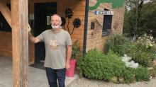 Claude Le Gloanic, propriétaire du camping La Fontaine du Hallate, à Plougoumelen
