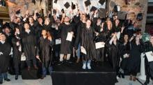 Vendredi 24 novembre 201 au Carré Rosengart à Saint-Brieuc, 100 étudiants ont reçu  leurs diplômes à l'américaine avec toges et lancer de mortiers  animée par DJ Victoric Leroy