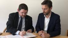 Jean-François Develey, Délégué Emploi & Responsabilité Sociale Bretagne EDF, Vincent Bobot, Directeur de la Faculté des Métiers-CCI Ille-et-Vilaine ont signé ce mercredi 15 mai une convention de parteneriat