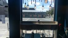 A Rennes, le bar à huîtres le Iodé s'est installé place des Lices dans un local d'environ 30 m² pour créer  une nouvelle activité qui propose un assortiment d'huîtres à déguster
