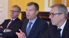Christophe Mirmand entouré Jean-François Thony , Procureur général  près la la Cour d'appel de Rennes et Eric Tromeur , Directeur de l'Urssaf de Bretagne