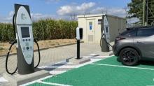 station IECharge® permet de recharger en seulement une dizaine de minutes les batteries d'une voiture pour lui donner une autonomie de l'ordre de 300 kilomètres.