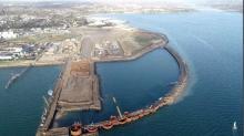Une fois consolidées, ces nouvelles surfaces gagnées sur la mer constitueront un polder supplémentaire de 14 ha qui sera aménagé à partir de 2021,