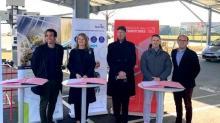 La PME See You Sun, créée en 2017 à Chantepie, près de Rennes développe des ombrières dotées de panneaux solaires reliés à des bornes de recharge de véhicules électriques.