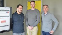 Tom Roze (au centre sur la photo), dernier technico-commercial embauché  au sein du Groupe Ubat dirigé par Eric Bourasseau ( à droite sur la photo) , Christian Bouvet et Antoine Cerisier.