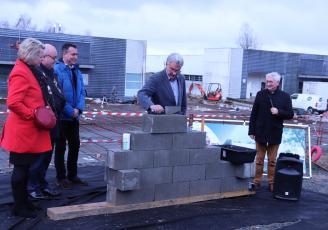 Pose de la première pierre des futurs laboratoires Adria, à Quimper