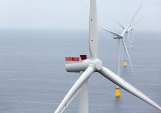 Le projet de parc éolien au large de la baie de Saint-Brieuc, constitué de 62 éoliennes, a obtenu en avril 2017 les trois autorisations administratives nécessaires à sa construction et à son exploitation