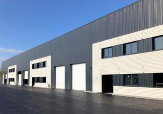 Basé à Plérin (22) le Groupe Bleu Mercure, annonce la livraison d'un bâtiment d'activités de 5 700 m² sur la commune d'Ambarès-et-Lagrave, au Nord-Est de l'agglomération bordelaise