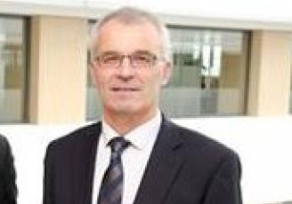 Roger Andrieu, également Président du Crédit Agricole des Côtes d'Armor succède ainsi à Marie-Françoise Bocquet, Présidente du Crédit Agricole d'Ille et Vilaine.