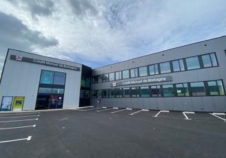Le Crédit Mutuel de Breatgne ouvre son premier site multi-expertise à Lorient la Base.