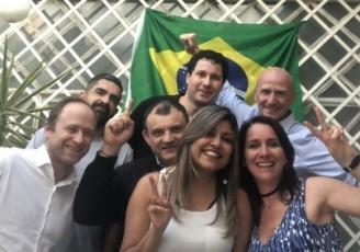L'équipe Recomercio, Cordon Do Brasil et l'équipe commerciale du siège de Cordon Eletronics