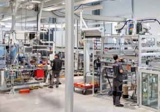 Coretec est un groupe industriel familial expert depuis 2002 en fabrication de moyens sur mesure pour l'assemblage, le contrôle et la finition de pièces et modules automobiles (poinçonnage, collage, soudure, usinage etc..).
