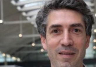 Cofondateur en 2014 de DCbrain, Arnaud de Moissac a été durant 10 ans  responsable efficacité énergétique chez SFR