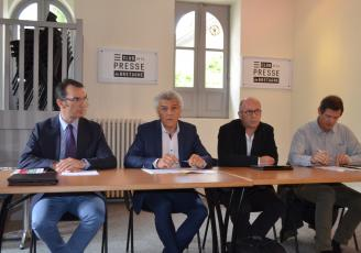 De g à d : François Beaudoin (FNTR), Joël Chéritel ( Medef Bretagne) ,  Hervé Vasseur, Président de Nutrinoë représentant l'Afab et Thierry ( FRSEA)