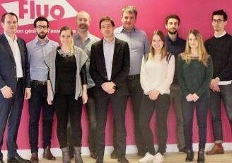 Basée à Paris et créé en 2013, Fluo propose aux assurés d'y voir plus clair dans leurs différents contrats d'assurance (auto, habitation, santé, voyages, etc.).