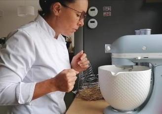 Christine Le Gagne alias Kiki Patisse a lancé son activité en février 2020 après avoir obtenu son CAP de pâtisserie.