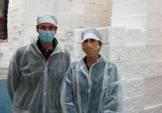 Nicolas Pantzer, directeur du site Knauf Industrie de Guéméné sur Scorff et Maryline Bénabès, présidente de la délégation Pontivy de la CCI du Morbihan